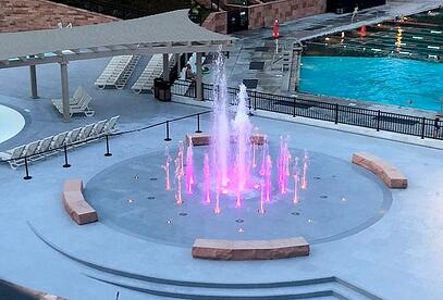 glenwood hot springs fountain purple lights